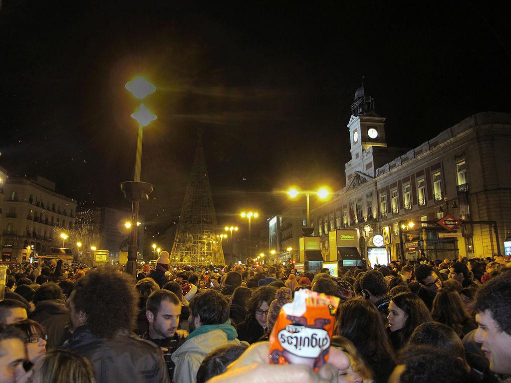 Ensayo_general_....las_doce_campanadas_del_ilustre_y_solemne_reloj_de_la_Puerta_del_Sol_!!!