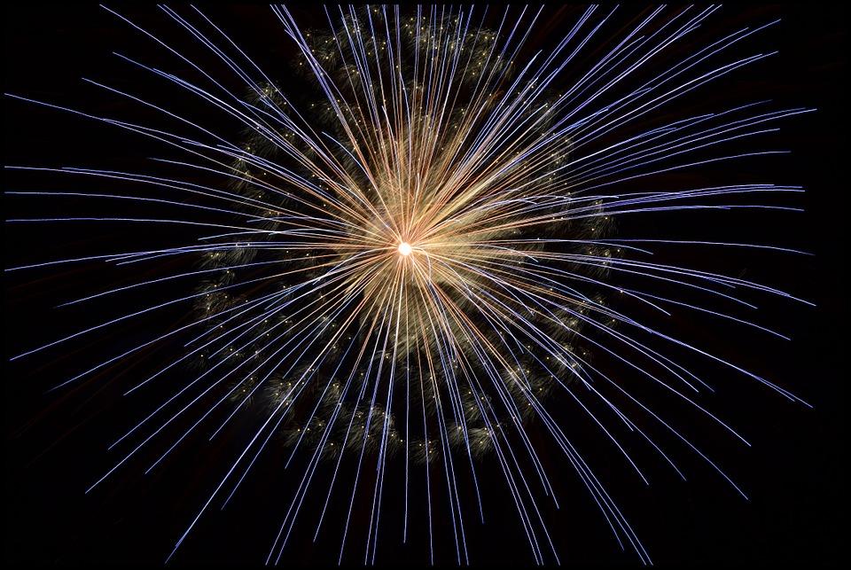 fireworks-102971_960_720