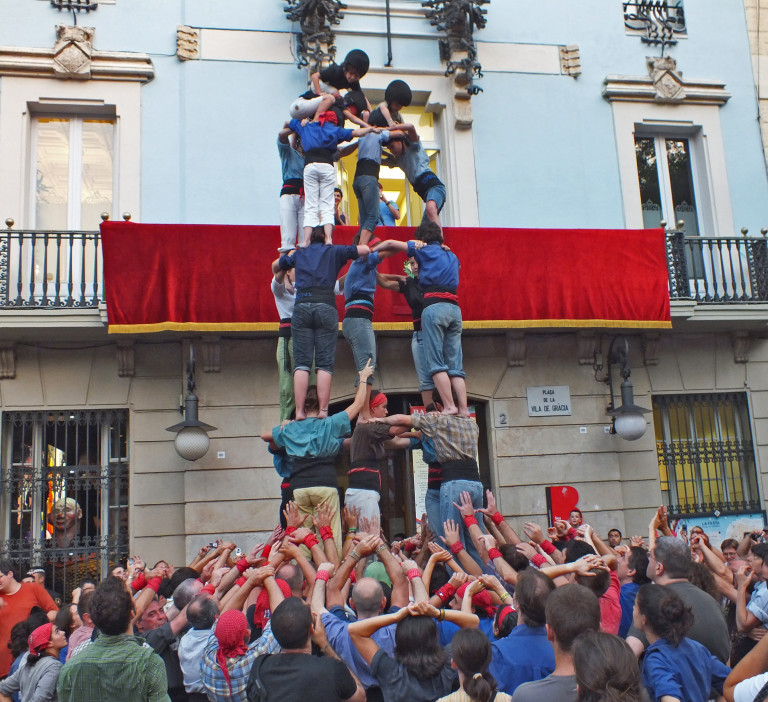 Castellers_de_Gracia_(7852055364)