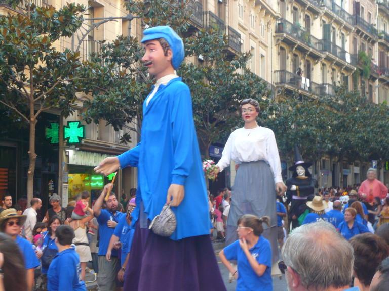 Festa_Major_de_Gràcia_2011_-_Gegants_de_Sants_-_XIII_cercavila_de_cultura_popular_-_carrer_Gran_P1330075